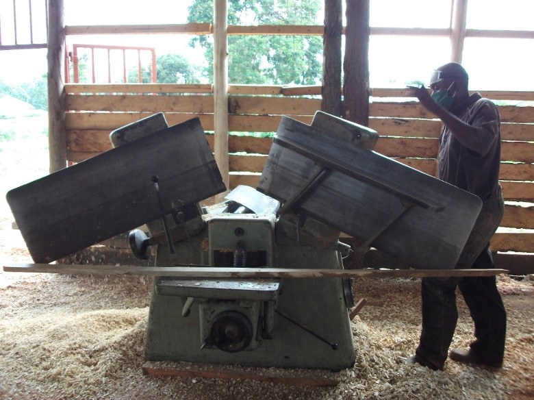 Wood combine machine with support from BDMF